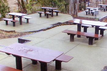 プラ擬木 ベンチ/テーブル 施工例0